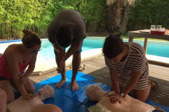Our team is trained in first aid actions !!
