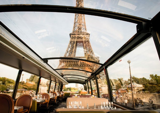 Travel to PARIS with an unusual dinner in a ... BUS!