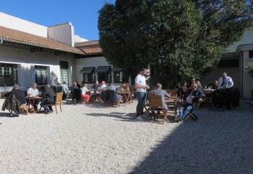 "Conviviality, Sun, Wine and ""Pond of thau"", all ingredients to live a beautiful day in Marseillan - October 2016 - 35 persons"
